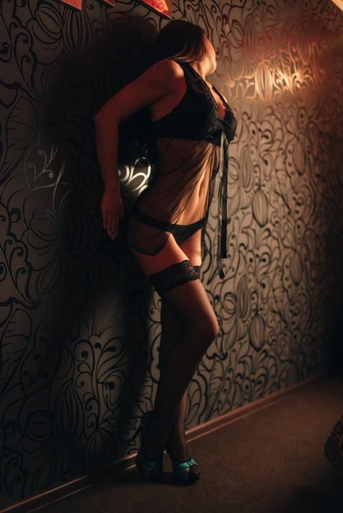 salon-eroticheskogo-massazha-v-ivano-frankovske-russkoe-porno-so-starikami-onlayn