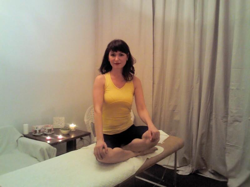 Паулина пришла на индивидуальный эротический массаж